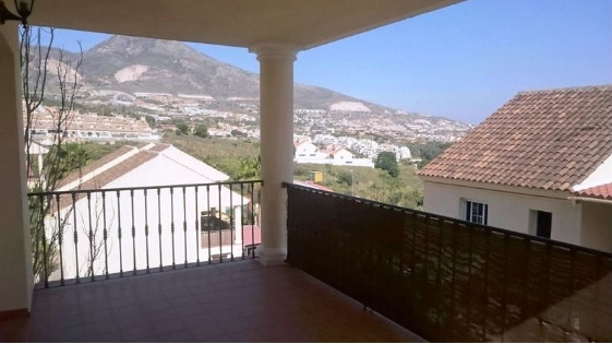 BANK REPOSSESION now available,  for only 159.500 euros, 2bedroom+2bathroom! Well presented, communi, Spain