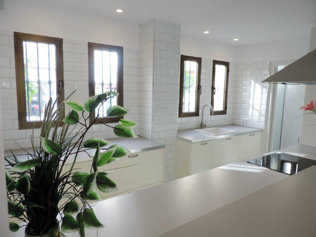 Beautiful ground floor flat in Puebla Lucia with direct access to the pool, completely renovated rec, Spain