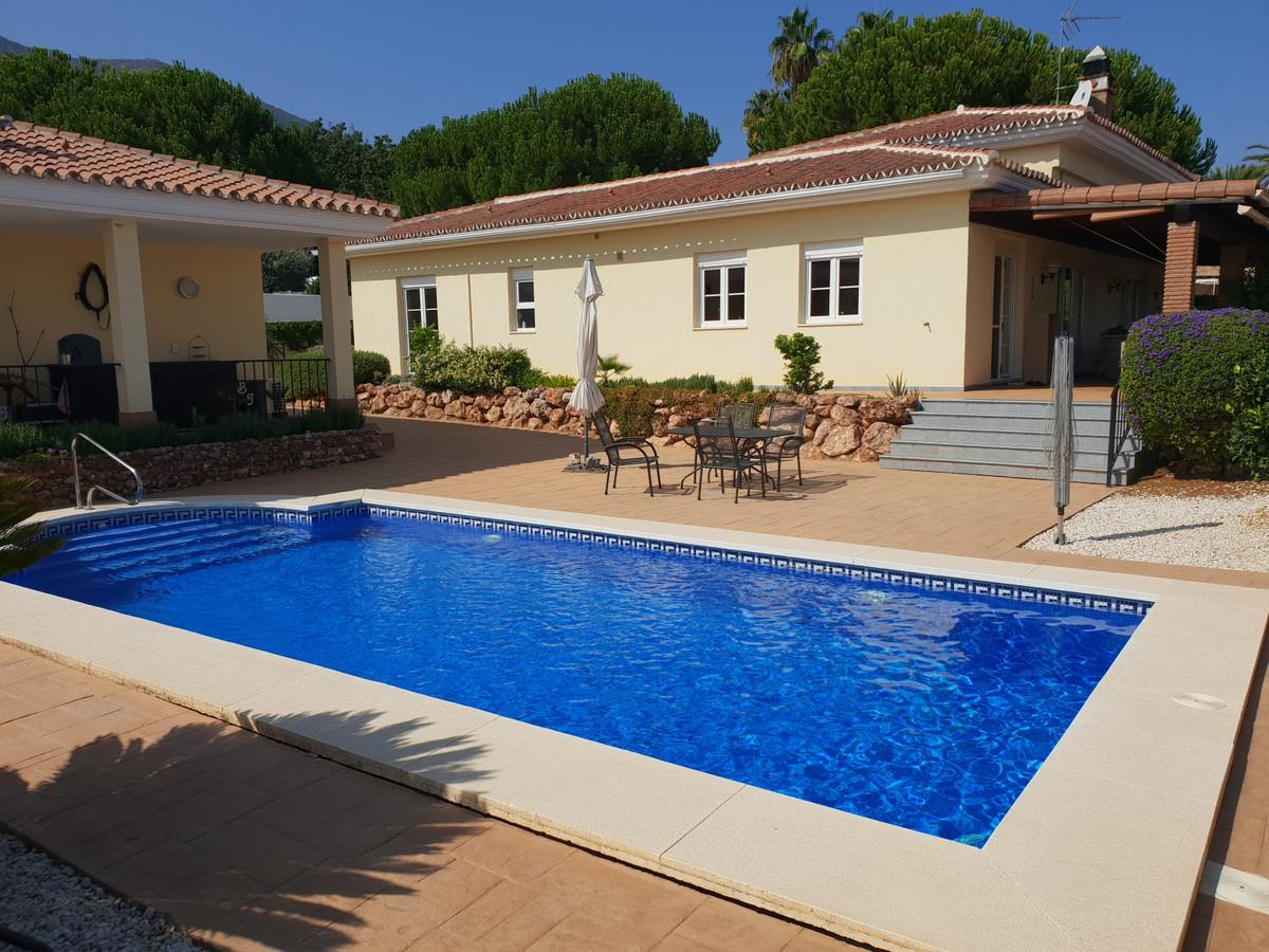 Detached Villa, Alhaurin el Grande, Costa del Sol. 3 Bedrooms, 3 Bathrooms, Built 250 m², Garden/Plo,Spain