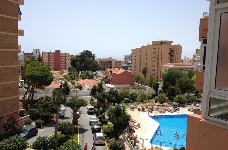 Beautifully refurbished 1 bedroom apartment. Reformed in 2014 with all new kitchen and bathroom. Apa,Spain