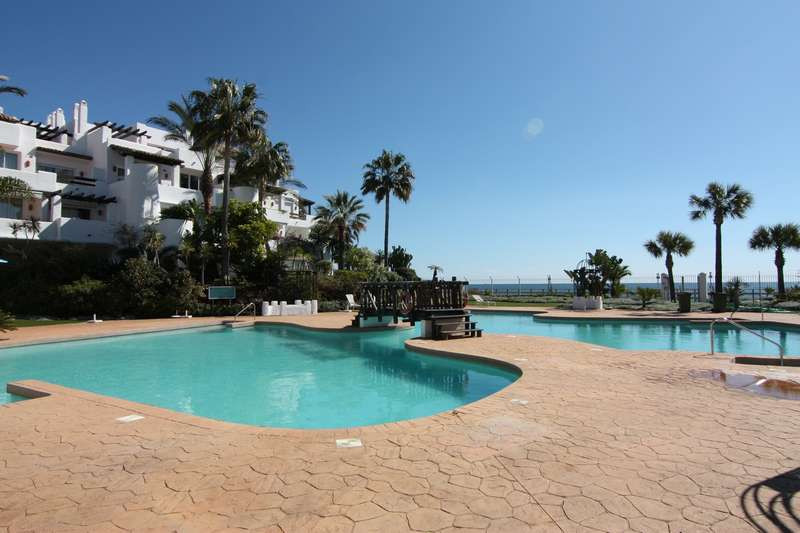 Stunning spacious 3 bed apt, frontline beach development at the prestigious Ventura del Mar, Puerto , Spain