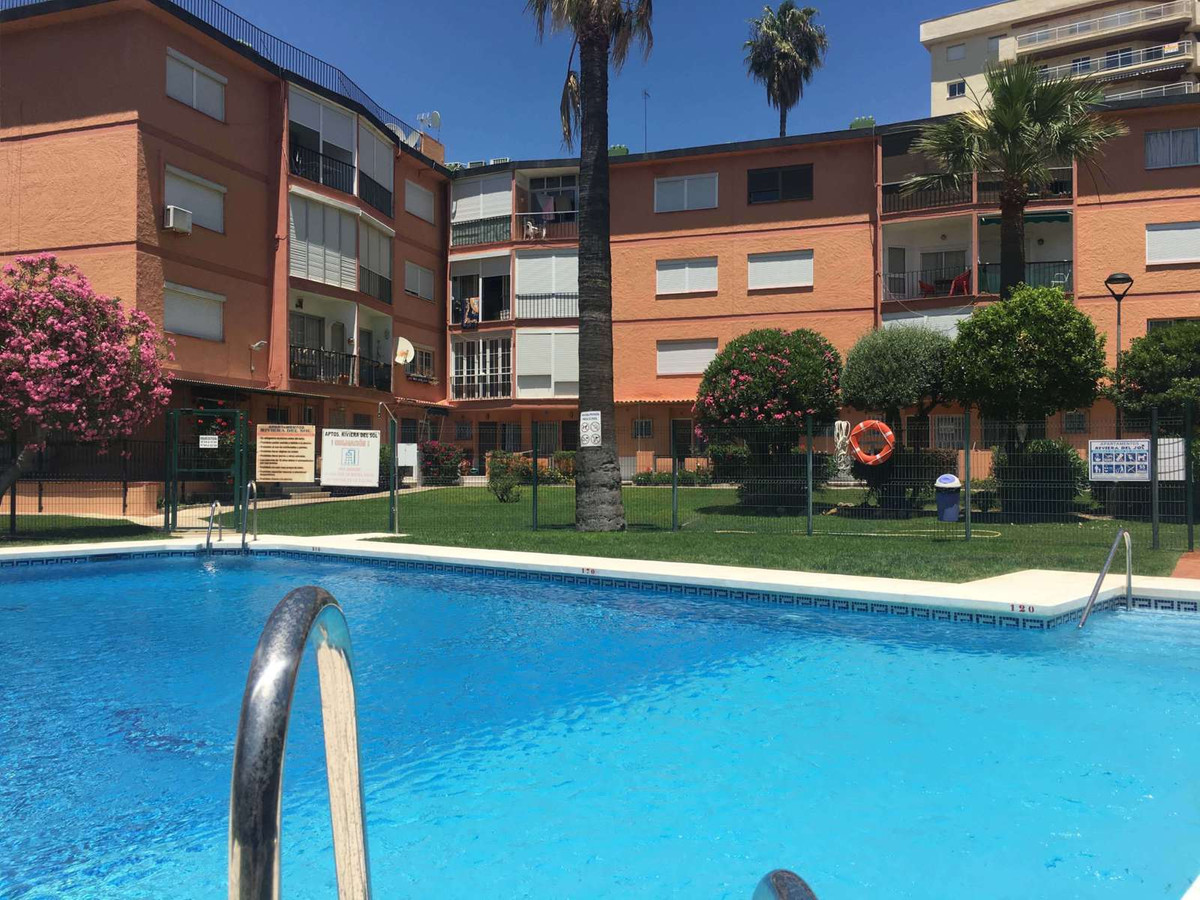 Fantastic just fully renovated apartment in the second beach line of Torreblanca with sea and garden, Spain