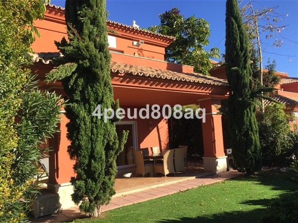 West facing frontline golf fully furnished semi-detached 3 bedroom villa with private carport set wi, Spain
