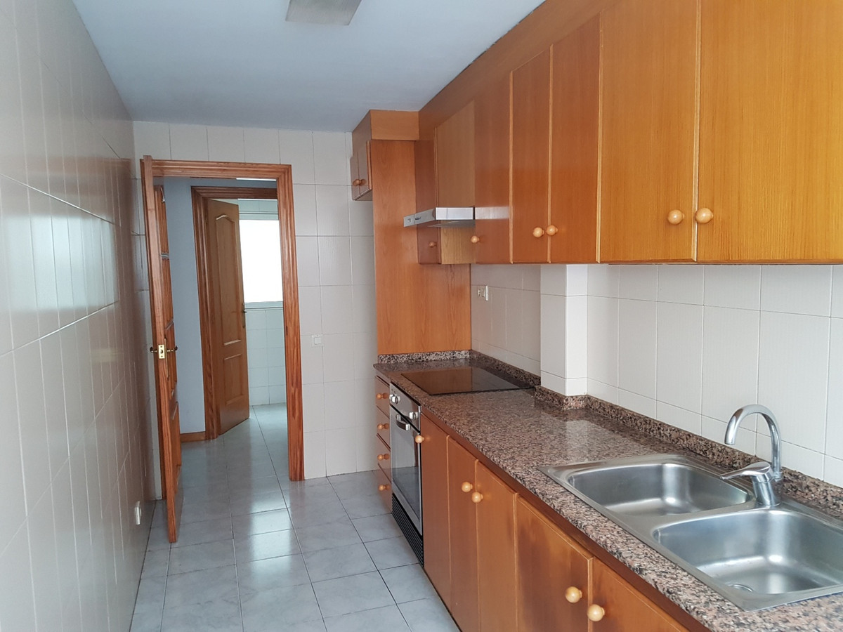 Charming duplex apartment on the first floor of a small block of flats in Ontinyent. There is a lift, Spain