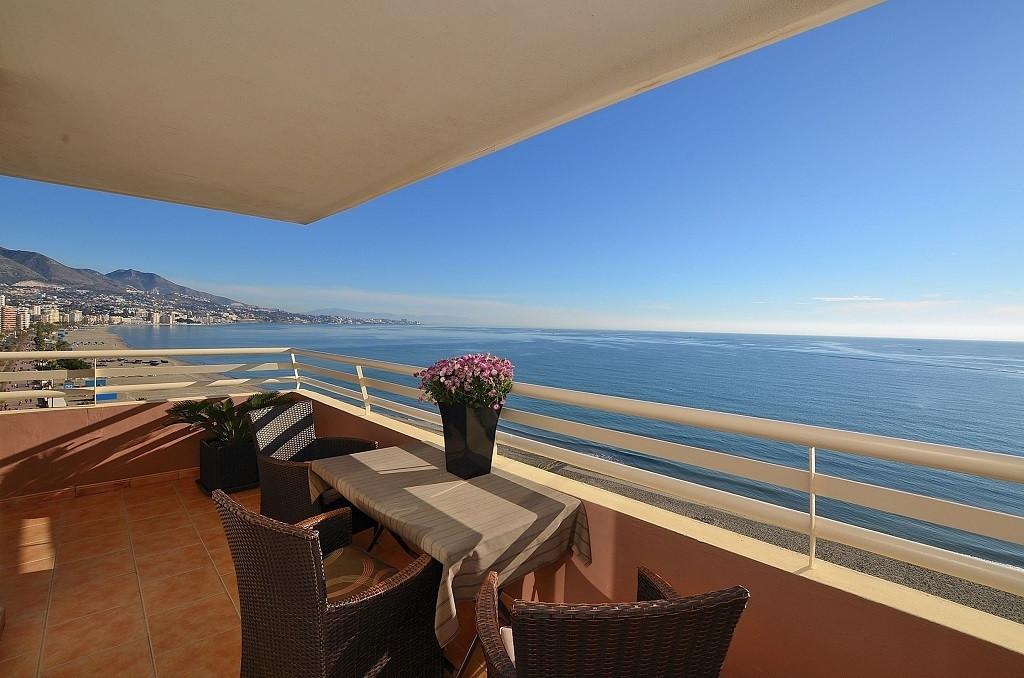 FANTASTIC FRONT LINE APARTMENT WITH AMAZING SEA VIEWS located in Fuengirola. Large south-east facing,Spain