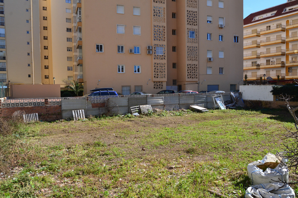 Plot in a centre Fuengirola. Plot is located on second beach line, 100m from the beach promenade and, Spain