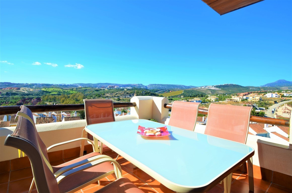 Magnificent modern first floor apartment with panoramic views of Gibraltar, the sea and the mountain,Spain