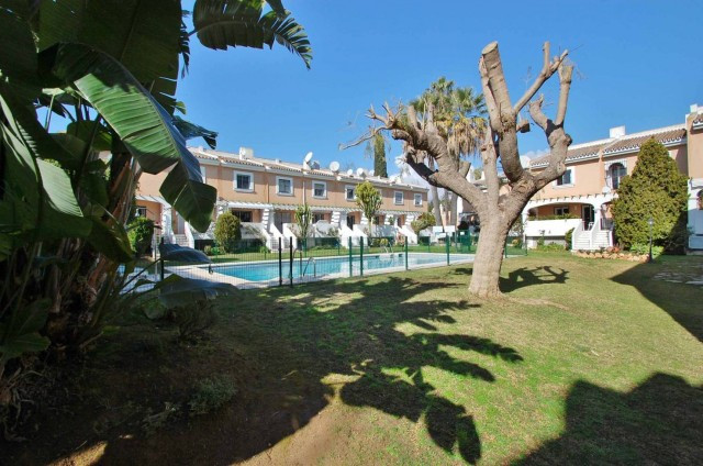Townhouse in Nueva Andalucia. This fabulous south facing five bedroom townhouse is located in the he,Spain