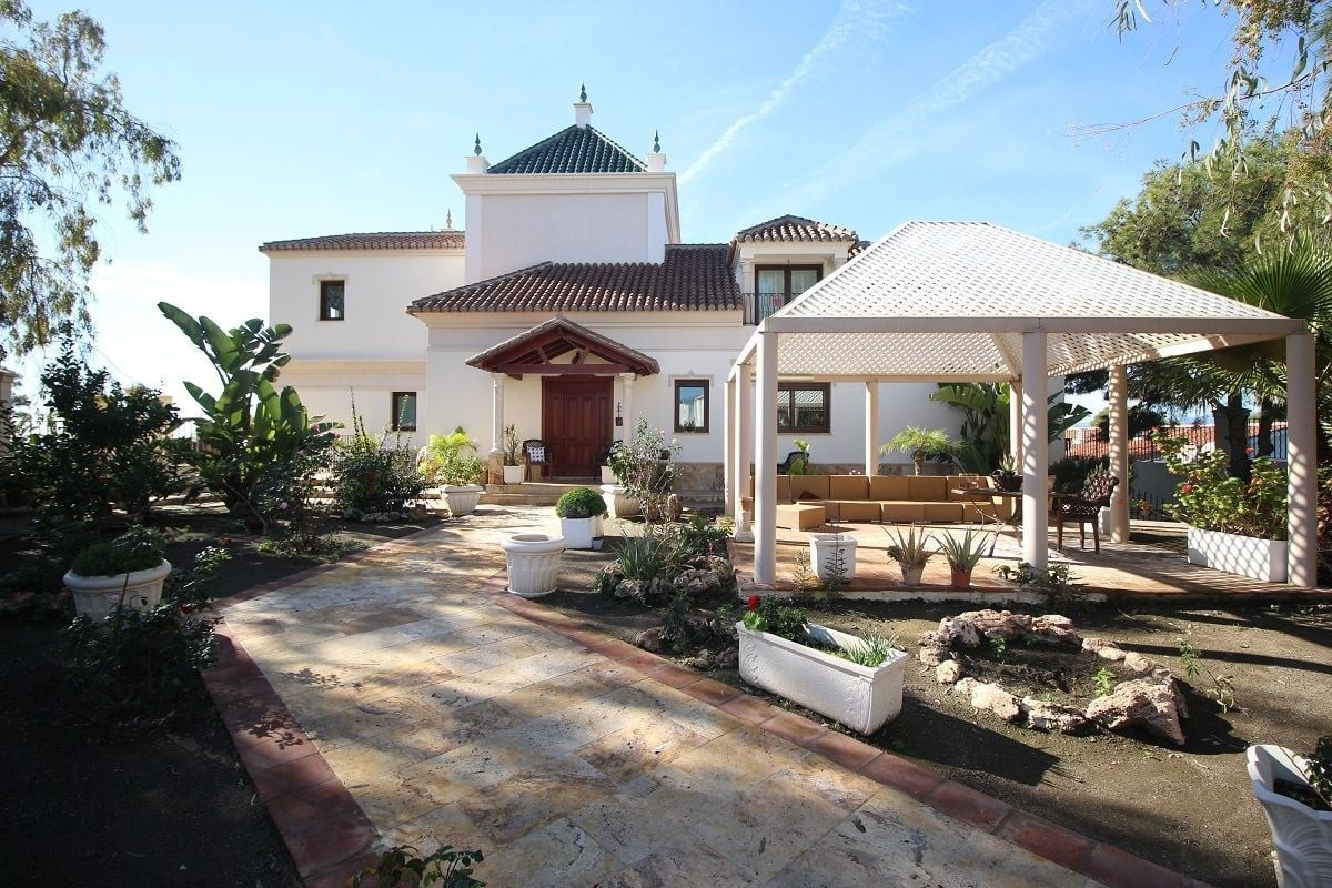 Wonderful villa with spectacular views to the sea. The villa is very central located, close to port,,Spain