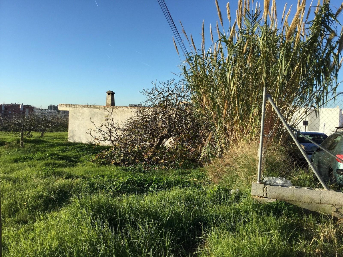 It is an urban land in Fuengirola with 2.330 meters The impact is 1,000 meters of roof, is in a priv,Spain