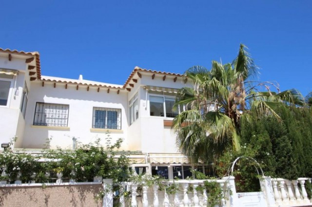 Nice top floor corner bungalow with terrace and large partially glazed solarium. This fabulous prope,Spain