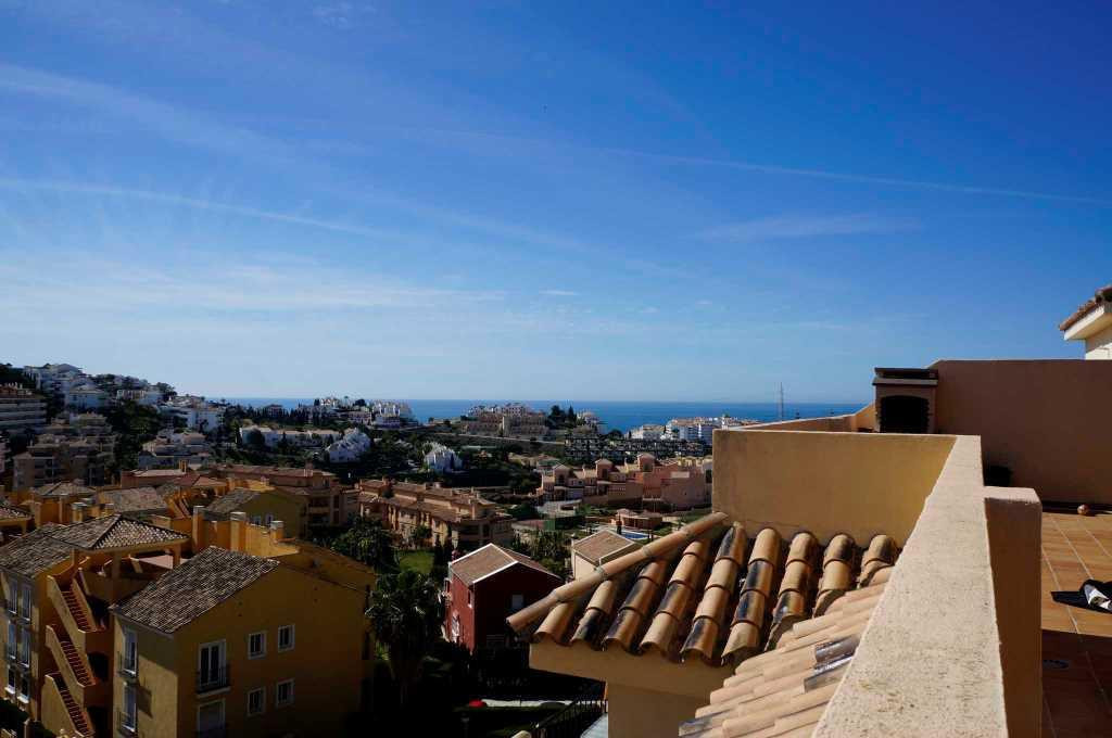 Beautiful 3 bedroom duplex penthouse in Riviera del Sol.  The property of two floors, 105m2 built wi,Spain