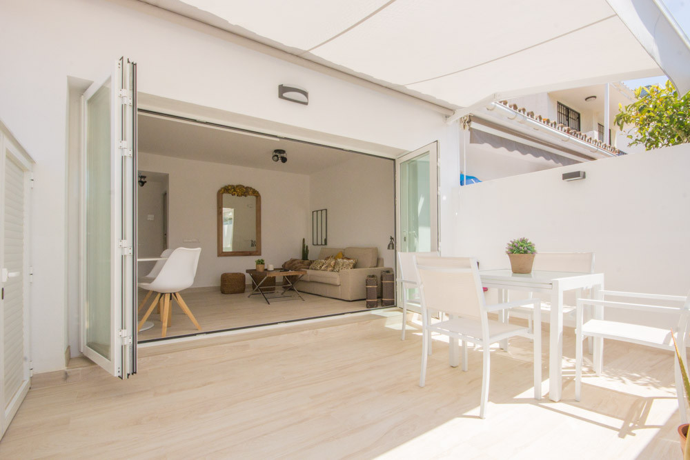 Charming 1Bed Bungalow, second line Beach in Costalita.  The bungalow has recently been fully refurb,Spain