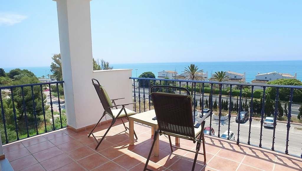 Magnificent views of the sea, just 100 meters from the beach. Two bedrooms, two bathrooms, large liv, Spain