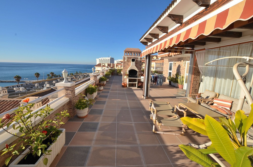 GREAT PENTHOUSE WITH AMAZING SEA VIEW! Located in Torrequebrada (Benalmadena Costa), in 2nd line bea, Spain