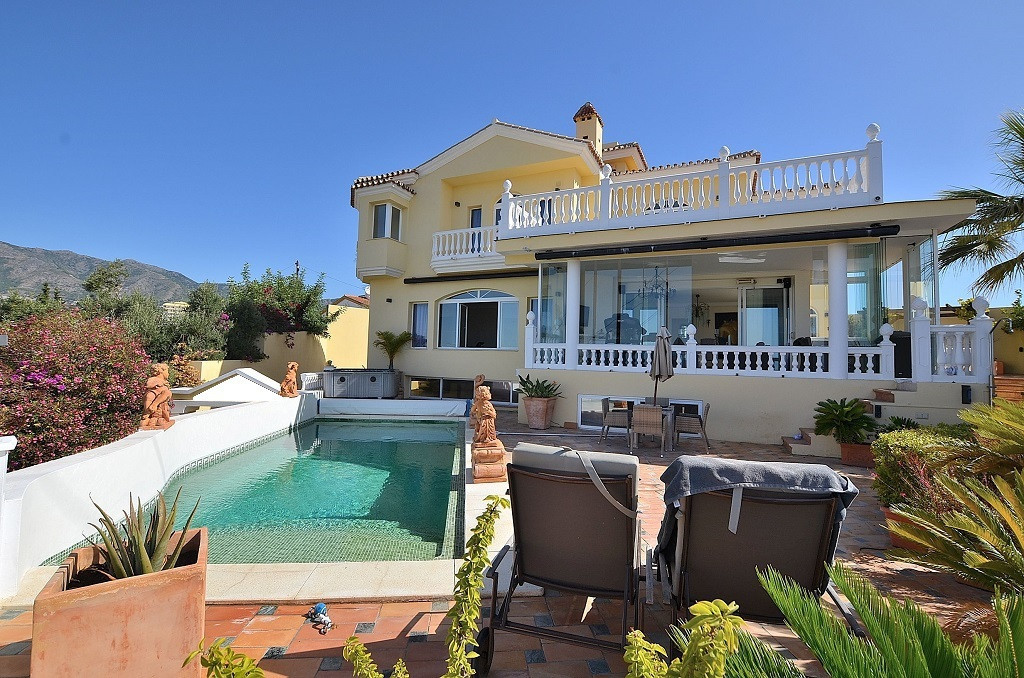 LUXURY VILLA WITH AMAZING SEA VIEWS located in Torreblanca (Fuengirola). 3 floors villa. South-west , Spain