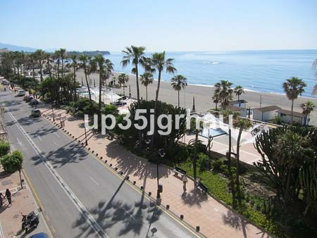 Apartment situated in an excellent location in  Estepona center, near to  supermarkets, schools, res,Spain