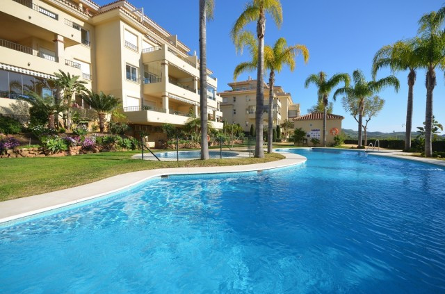 It is a real pleasure to visit this open, bright and very well-kept apartment! On the right hand sid,Spain