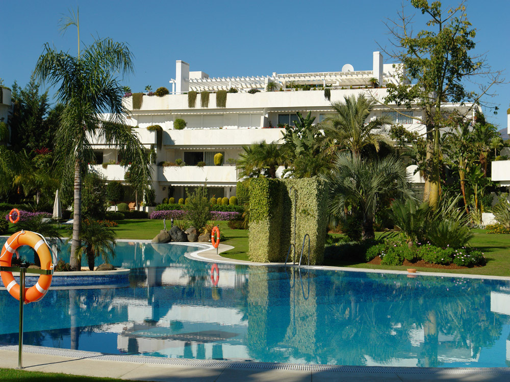 Superb four bedroom, south facing penthouse in Los Granados Golf, Nueva Andalucia, surrounded by som, Spain