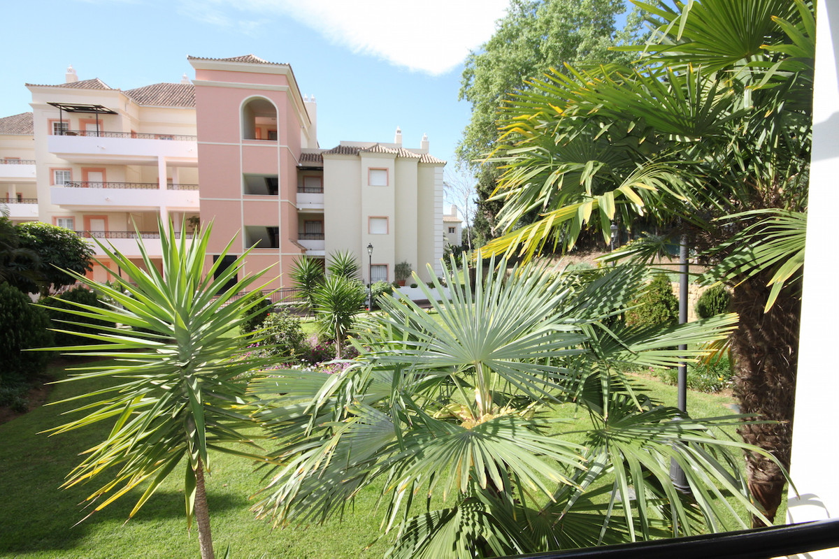 An attractive, well presented  west facing, 2 bedroom apartment located within the popular developme,Spain