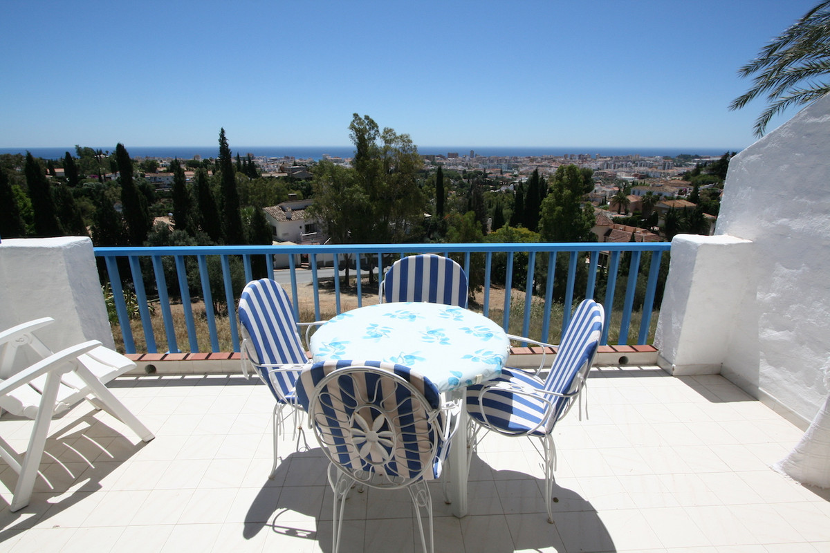 A fabulous penthouse, located in a very quiet urbanisation with good road access just 8 minutes driv,Spain