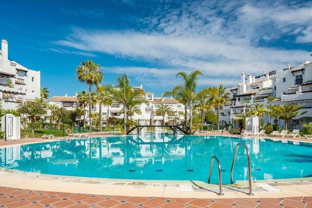 STUNING 3 BEDS APARTMENT IN SAN PEDRO BEACH  This south facing 3 bedrooms ground floor apartment loc,Spain