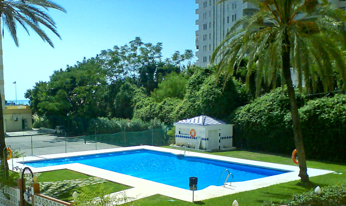 Lovely 2 bedroom terrace next to Paloma Park in Benalmadena, completely renovated, with hydro massag, Spain