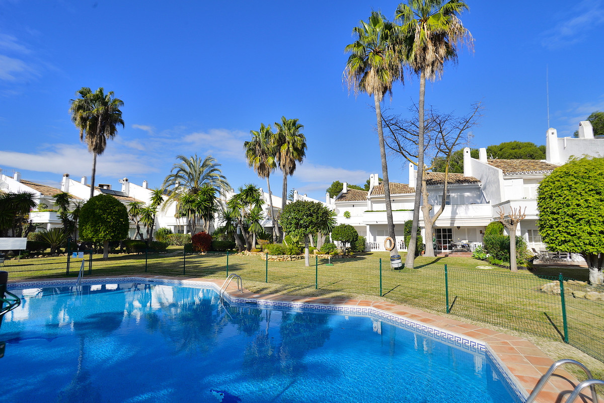 Completely Renovated contemporary style Townhouse, exceptionally well located in Bel Air Estepona, a,Spain