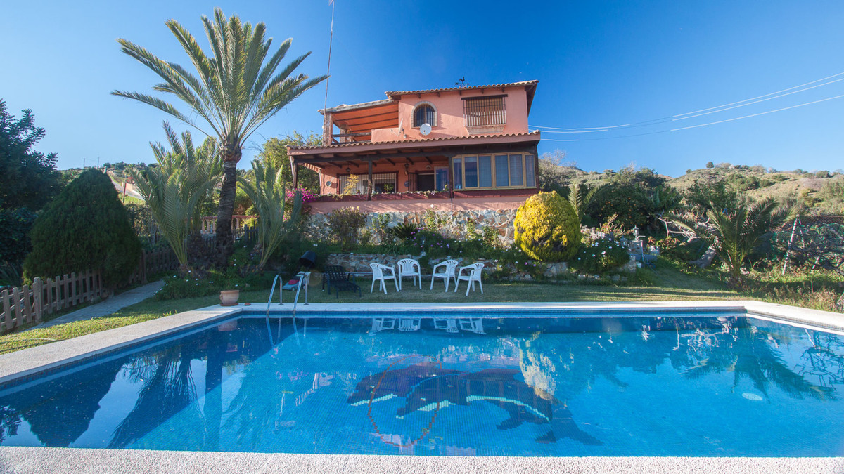 Charming finca with open mountain views, situated just 2 kilometers to the Beach and Estepona city w, Spain