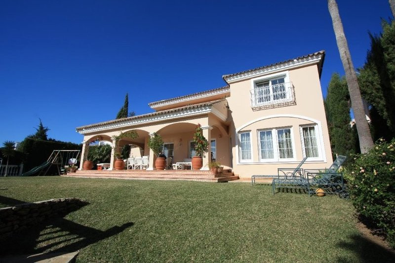 This fabulous villa is located within close proximity to one of the best golf resorts in Mijas near ,Spain