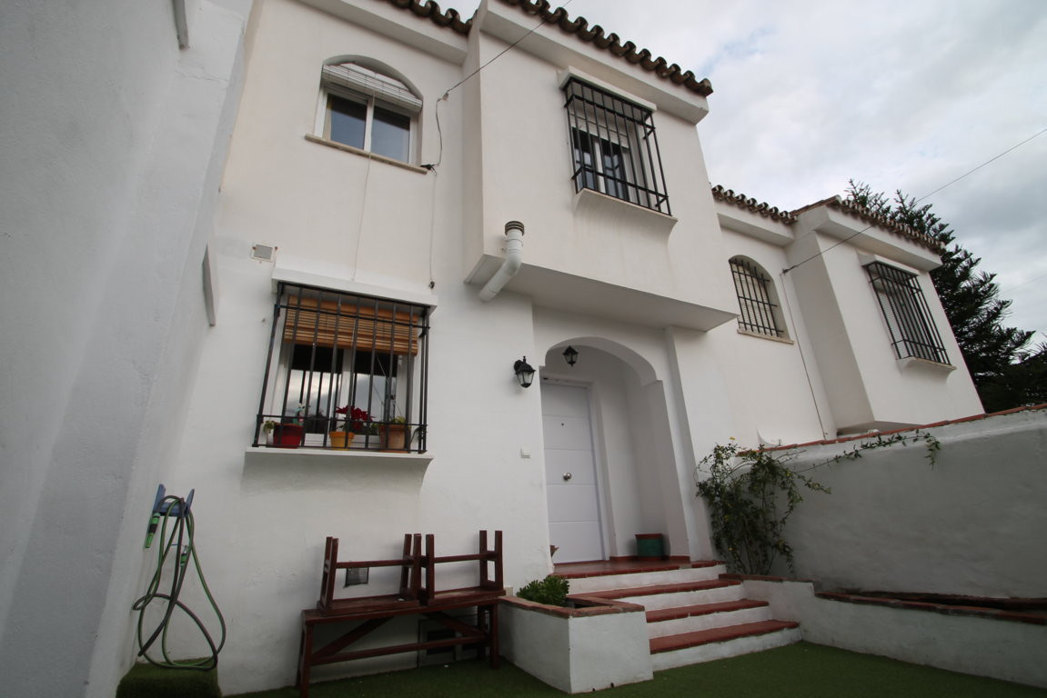 Spectacular Townhouse in Rincon de la Victoria. Recently renovated house integrally (floors, walls, ,Spain