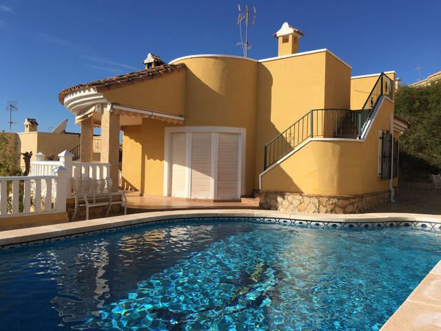 Unique opportunity!  Wonderful sea view, 3 bedroom villa with pool and large garage just 3 km from E, Spain