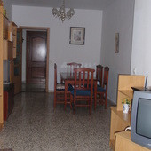 For sale semireformado floor in excellent area, one step from the center and the Maria Zambrano trai,Spain