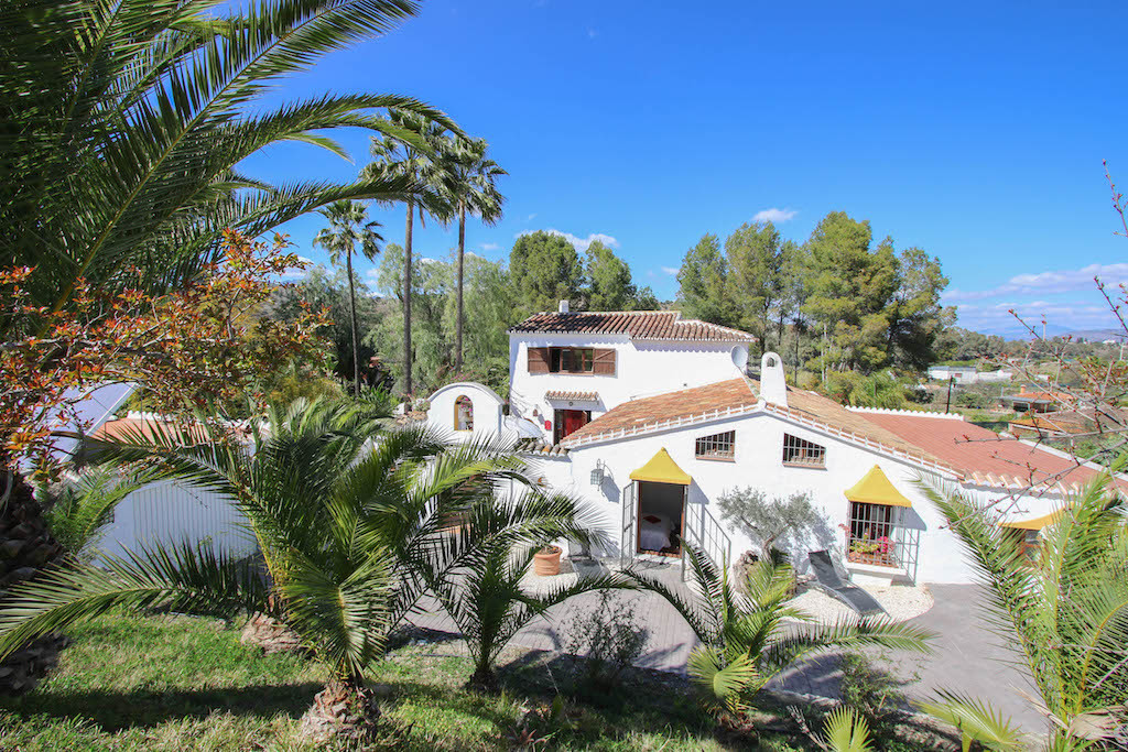 Cortijo Styled B&B.  Loads of character.  Beautifully reformed.  This popular B&B is located,Spain