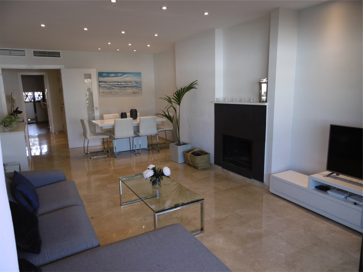 We are pleased to offer this stunning and recently renovated throughout to a very high standard 2 be, Spain