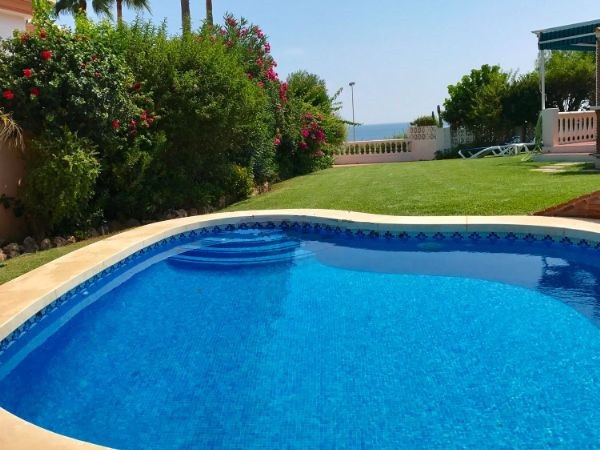 RENTED UNTIL MAY 2018 - Viewing possible but limited  A charming independent villa, with private gar,Spain