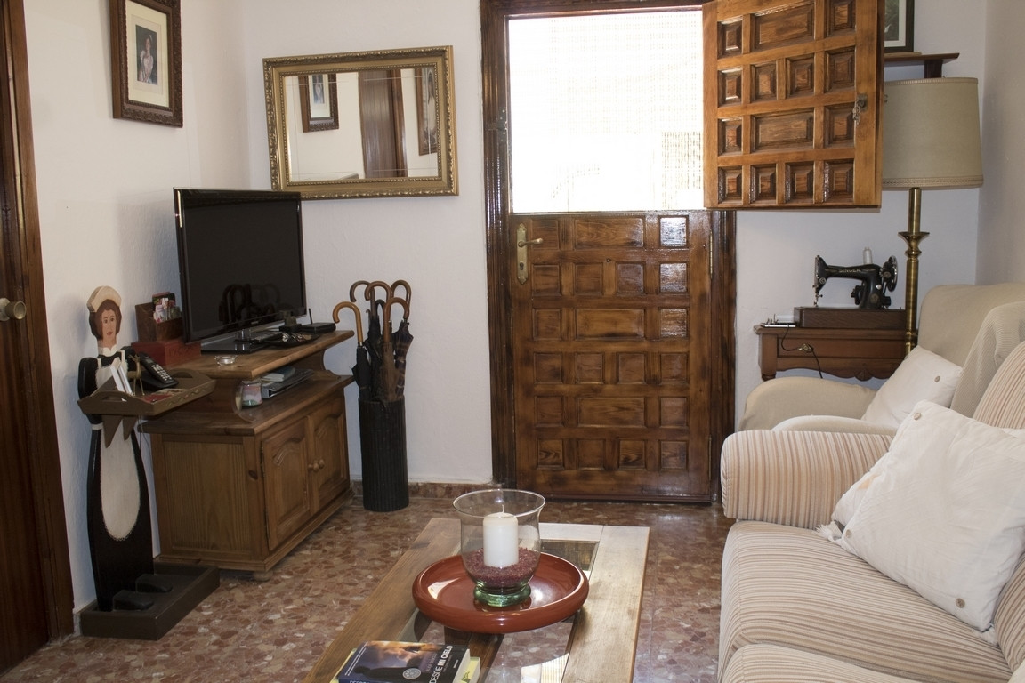 Town house located in dryer, few minutes from Sotogrande and all the services available in the area.,Spain