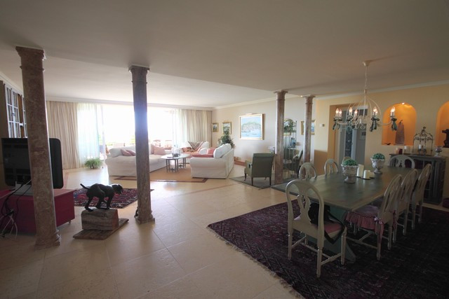 Apartment, Close to Golf, Fitted Kitchen, Parking: Garage, Pool: Communal Pool, Garden: Community, F,Spain