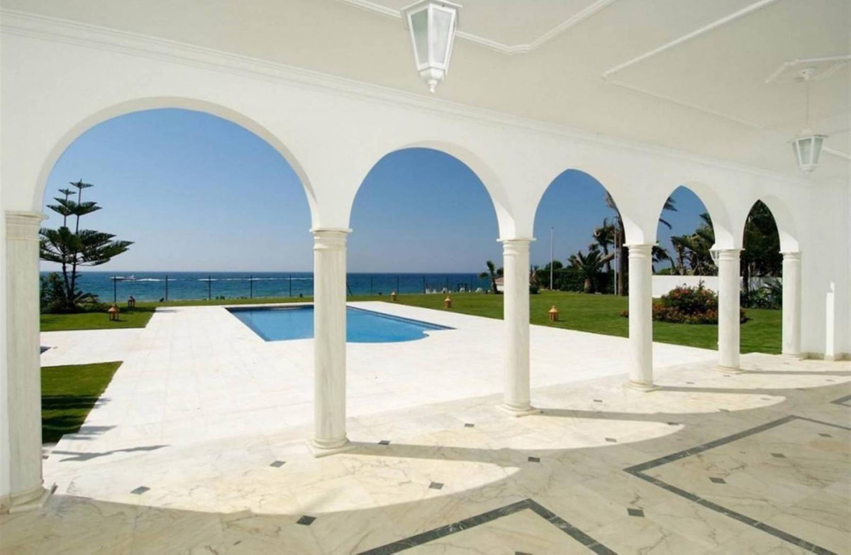 PRICE REDUCTION !! Located right on the beachfront in one of the best areas of Marbella, this truly , Spain