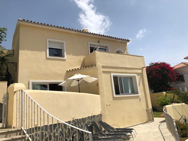 REDUCED TO 450,000 EUROS!! GREAT PRICE FOR THIS VILLA IN EL FARO  3 Bedroom 2 Bathroom Villa only 5 Spain