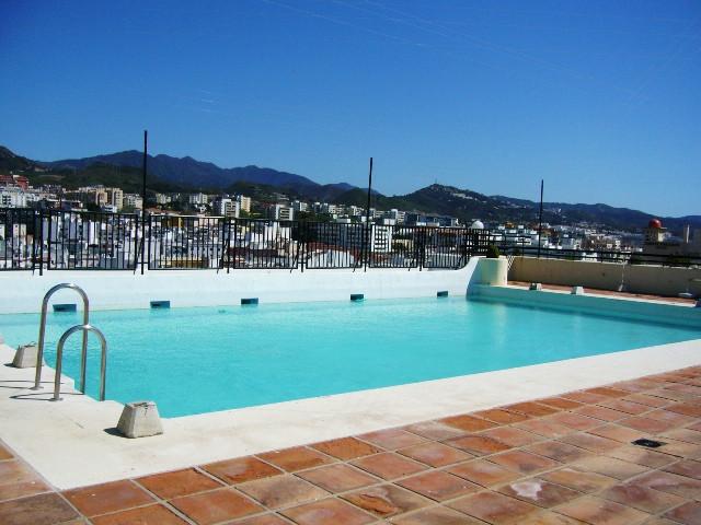 Piso con 3 dormitorios y 2 cuartos de bano en el centro de Marbella.Situado en una primera  linea de,Spain