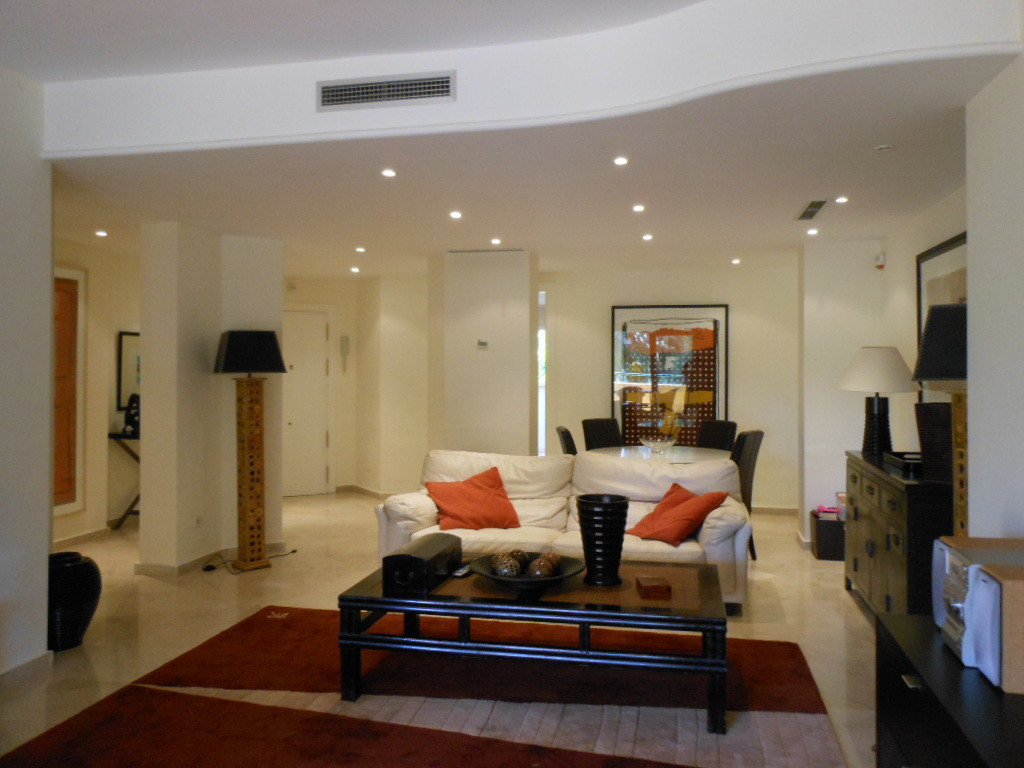 Cozy apartment in the idyllic and established urbanization Golf Rio Real.  The area where the apartm, Spain