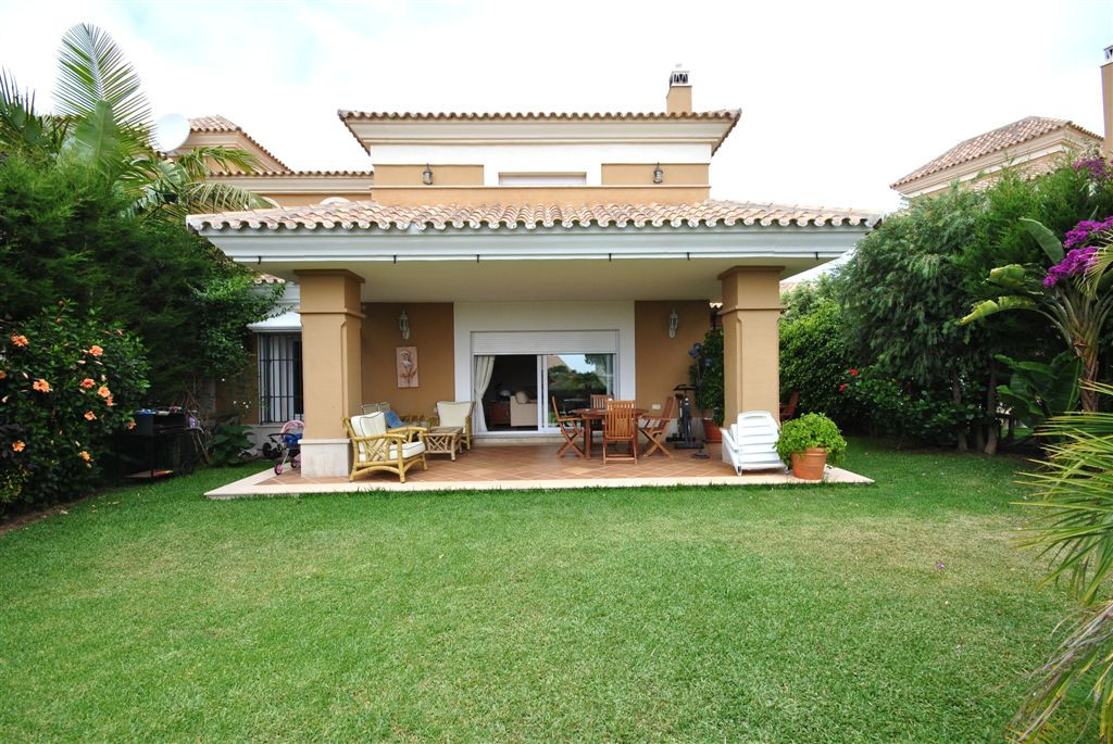 Semi-Detached, Golf Course, Furnished: Optional, Equipped Kitchen, Parking: Private, Pool: Communal ,Spain