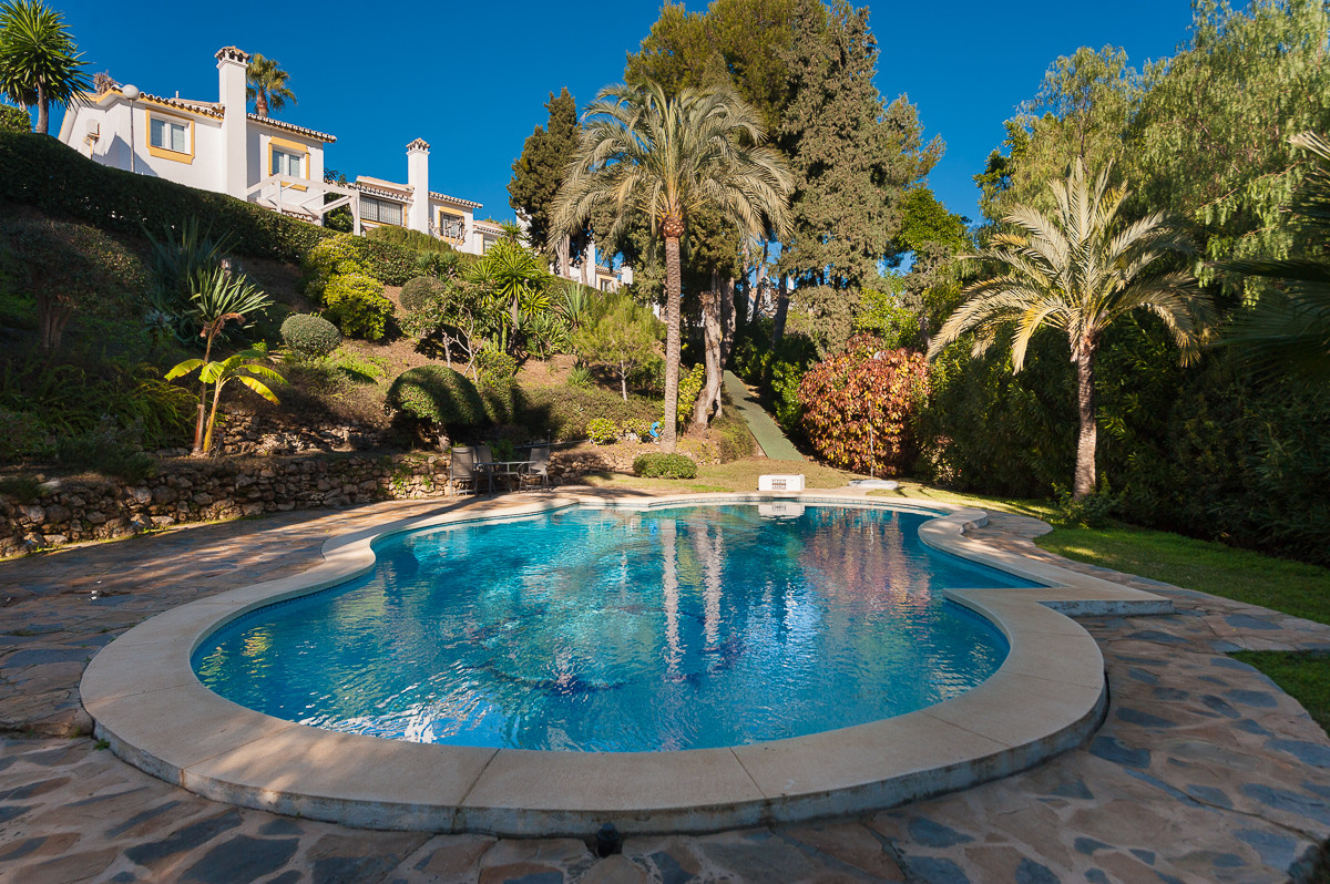 This is a lovely detached villa situated in an extremely popular area of Calahonda. The property for,Spain