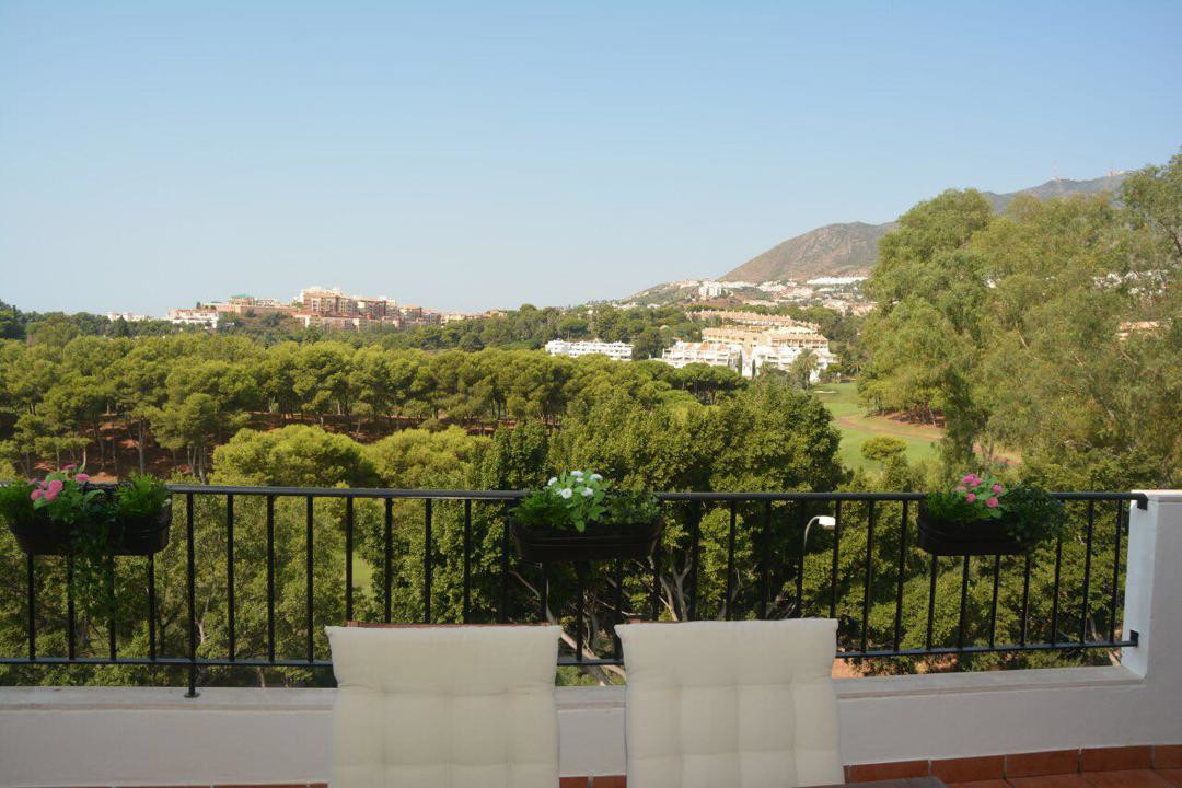 A Spectacular penthouse with wonderful terrace with golf and mountain view  in a beautiful and well ,Spain