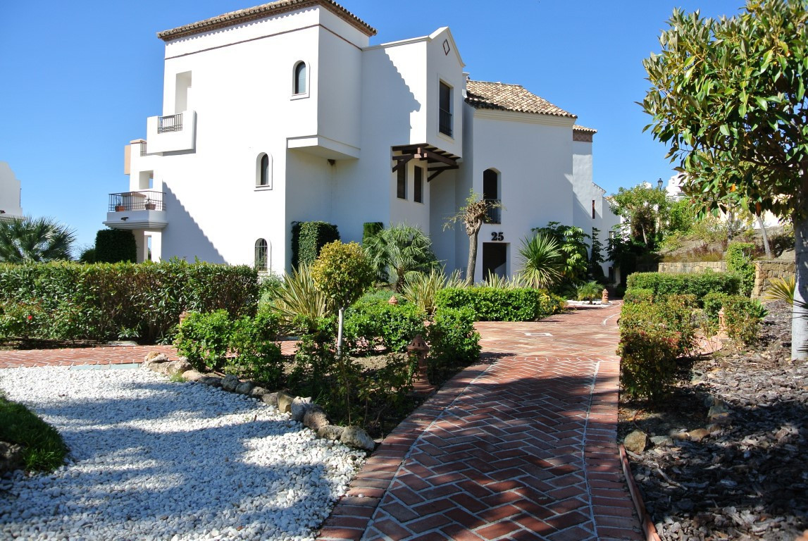 PRICE REDUCED FOR A QUICK SALE - WELLCOME FOR A VIEWING!!! Wonderful bright south/west facing topflo,Spain