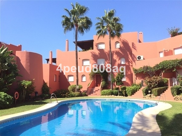 Beachside East facing ground floor apartment comprising a living-dining room with open plan fully fi,Spain
