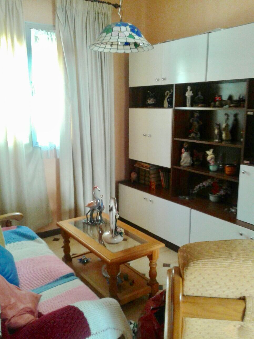 Opportunity, 3 bedroom apartment, 1 bathroom, living room kitchen, very bright, well located near bu,Spain