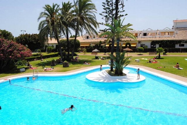 1 bedroom / 1 bathroom apartment with living room with kitchenette and west facing terrace.  A sough,Spain