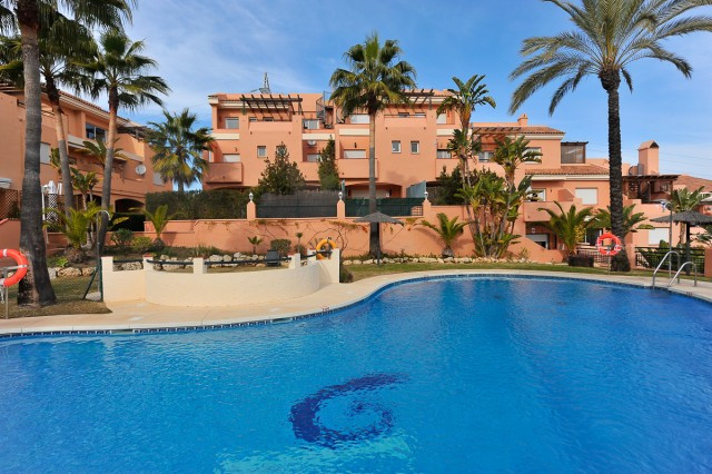 Well presented and for sale fully furnished , this charming apartment is located on a gated complex , Spain